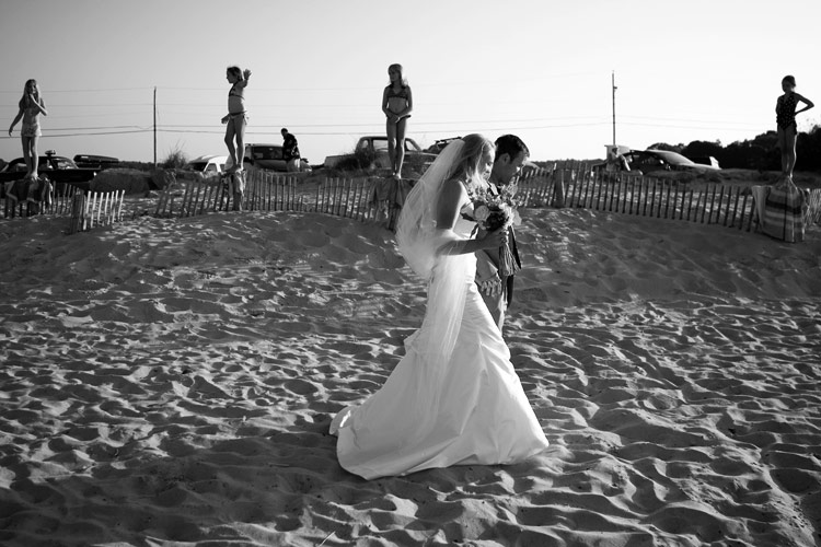 beach wedding photos in Cohasset, Massachusetts.