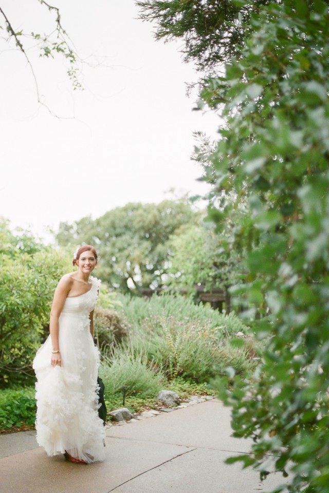 beautiful bride in big sur ventana inn white dress red hair