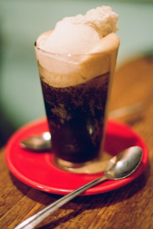 rootbeer float bolinas california coast cafe