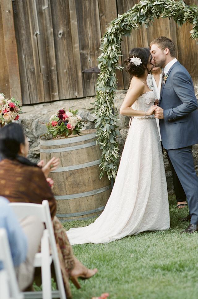 picchetti-winery-cupertino-wedding-photo-by-douglas-despres-32