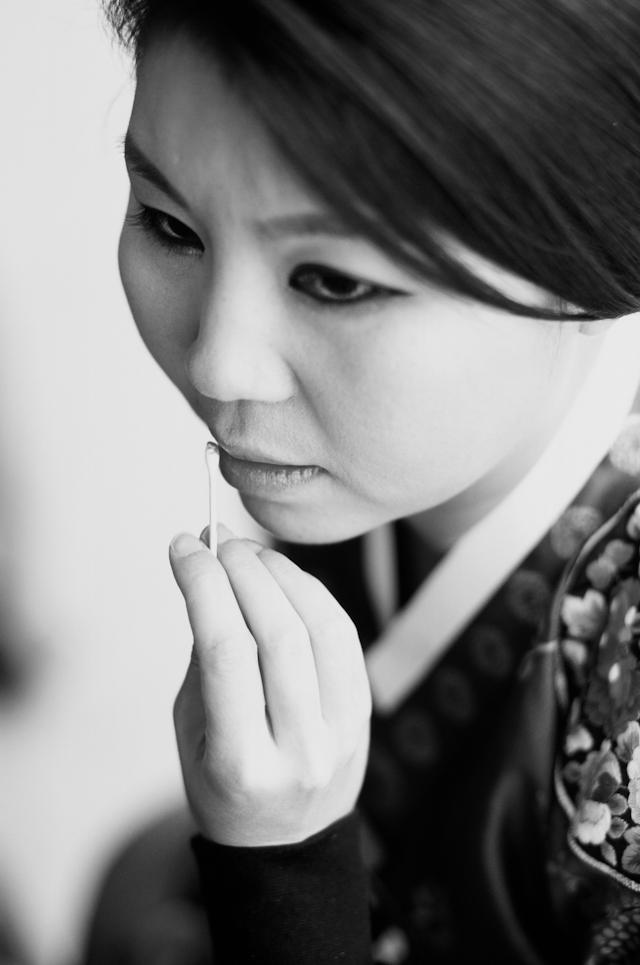 seoul traditional village engagement shoot by douglas despres-6